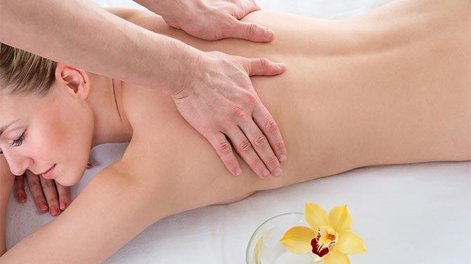 Aprenda masajes para aumentar los pechos